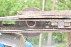 Het oude scherpe hout van het cirkelzaagblad Royalty-vrije Stock Foto