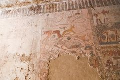 Het oude schilderen op muur bij Egyptische Graven stock afbeeldingen