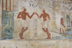 Het oude schilderen op muur bij Egyptische Graven royalty-vrije stock foto's