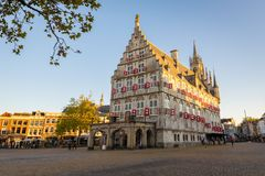 Het Oude Stadhuis in Gouda, Nederland stock afbeelding