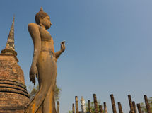 Het oude standbeeld van Boedha bij het Historische Park van Sukhothai, Thailand Royalty-vrije Stock Foto's