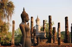 Het oude standbeeld van Boedha. Sukhothai Historisch Park Stock Fotografie