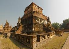 Het oude standbeeld van Boedha in Wat MahaThat, het Historische Park van Sukhothai, Thailand Stock Afbeelding