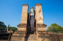 Het oude Standbeeld van Boedha in Wat Mahathat in het Historische Park van Sukhothai in Sukhothai, Thailand stock foto