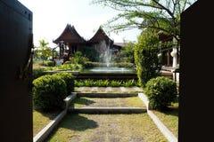 Het oude Thaise huis kijkt aardig Stock Afbeelding