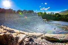 Het oude theater van Epidaurus of ` Epidavros `, de prefectuur van Argolida, Griekenland royalty-vrije stock afbeelding