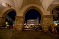 Het oude vierkant van Bergamo bij nacht royalty-vrije stock afbeelding