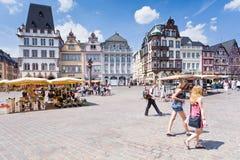 Het oude vierkant van de Markt in Trier, Duitsland Stock Foto's