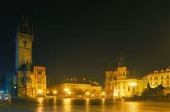 Het oude Vierkant van de Stad in Praag stock foto's