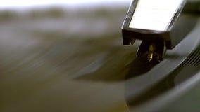 Het oude vinyl spinnen stock footage
