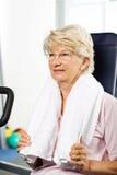 Het oudere vrouw uitwerken Royalty-vrije Stock Foto