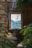 Het oudste huis in het bergachtige die dorp van Lahic van steen in Azerbeidzjan wordt gemaakt stock afbeeldingen
