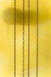 Het overgaan van tijd op antieke klok (met slinger die beweegt zich) Stock Foto