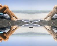 Het overgaan van tijd verlaat ook tan door mooie benen Royalty-vrije Stock Afbeelding