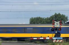 Het overgaan van trein 2 Stock Afbeeldingen