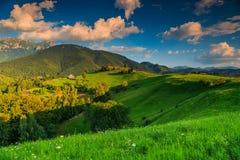 Het overweldigen van landelijk landschap dichtbij Zemelen, Transsylvanië, Roemenië, Europa Royalty-vrije Stock Foto