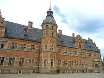 Het overweldigende Kasteel van Frederiksborg in Hillerod, Denemarken stock afbeelding