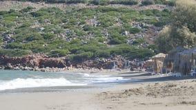 Het overzees en het Strand in Kreta stock footage