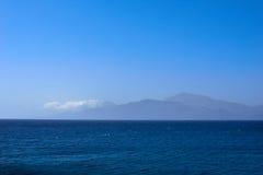 Het overzees van de waterbergtop Royalty-vrije Stock Foto