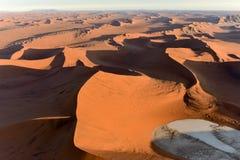 Het Overzees van het Namibzand - Namibië Stock Foto's