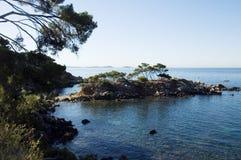 Het overzees van Mediterraneen en kusten, eilanden Embiez Stock Afbeelding