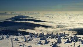 Het overzees van wolken in Reuzebergen/Karkonosze Stock Foto's