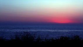 Het Overzees vlak na Zonsondergang stock footage