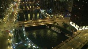 Het Overzicht van Chicago bij Nacht stock video