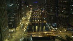 Het Overzicht van Chicago bij Nacht stock videobeelden