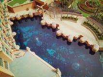 Het overzien bij Atlantis-Hotel bij palmeiland stock afbeelding