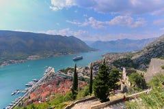 Het overzien van de Baai van Kotor in Montenegro Royalty-vrije Stock Foto