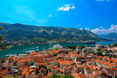Het overzien van de Baai van Kotor in Montenegro Stock Foto's