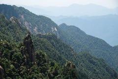 Het overzien van de bergen stock foto's