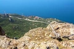 Het overzien van de mooie baai van de hoogte van het omringen Stock Foto