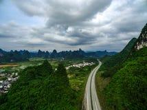 Het overzien van het wegviaduct Royalty-vrije Stock Foto's
