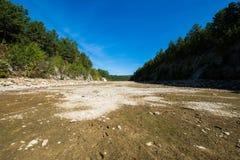 Het overzien van Lang Pijnboomreservoir in Michaux-het Bos van de Staat, Pennsyl royalty-vrije stock fotografie