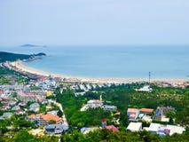Het overzien van Qingdao-stad van laoshan Royalty-vrije Stock Foto's