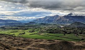 Het overzien van Remarkables, Nieuw Zeeland stock fotografie