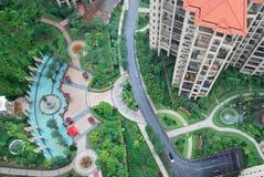 Het overzien van tuin Stock Afbeeldingen