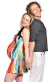Het paar dat van de manier een baby 5 verwacht Stock Afbeelding