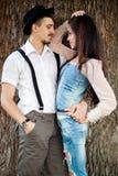 Het paar heeft pret op zonsondergang Royalty-vrije Stock Fotografie