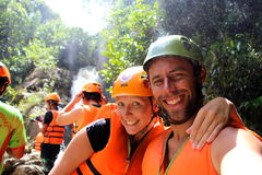 Het paar neemt een snelle selfie na het beëindigen van een grote rappel Royalty-vrije Stock Foto