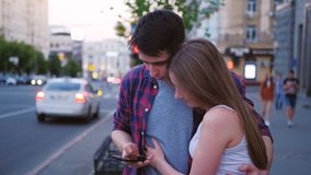 Het paar selfie telefoon van de technologie tienerlevensstijl stock video