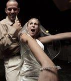 Het paar van de jonggehuwde het dansen royalty-vrije stock foto