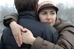 Het paar van de liefde het omhelzen Stock Afbeelding