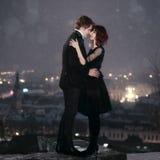 Het PAAR van de LIEFDE op de Nacht van de Valentijnskaart Royalty-vrije Stock Foto