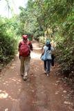 Het Paar van de Toerist van het platteland Stock Afbeeldingen
