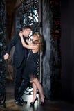 Het paar van het liefdeverhaal, valentijnskaartdag in luxebinnenland Romaanse verhouding stock fotografie
