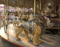 Het Paard en de leeuw van de carrousel Stock Afbeelding