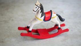Het paard van het stuk speelgoed stock video